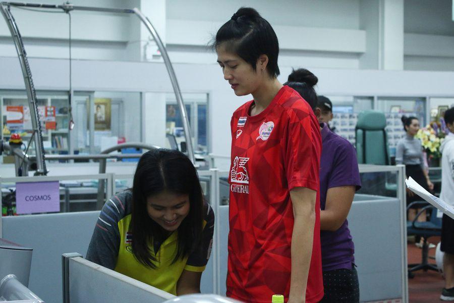 ปลื้มจิตร์ ถินขาว กัปตันทีมชาติไทยจากทีมสุพรีมฯ