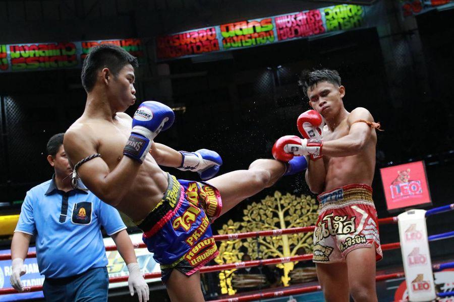 คู่2 ซันโต๊ส ศ.วชิรยิม VS ใจเพชร พี.เค.แสนชัยมวยไทยยิม
